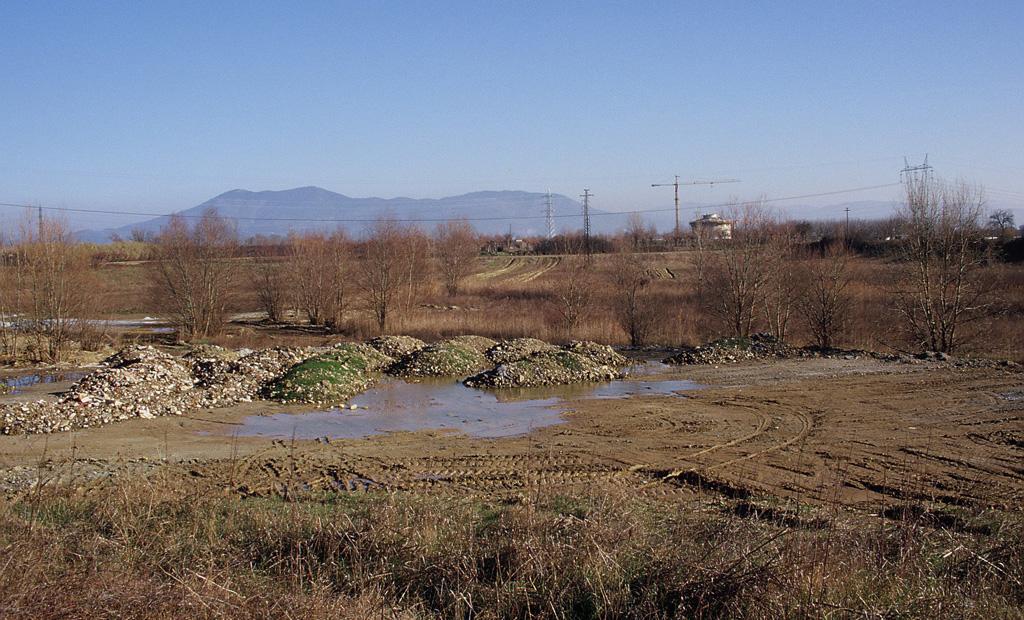 Interramento di un bacino lacustre. Lastra a Signa, Firenze (1996)