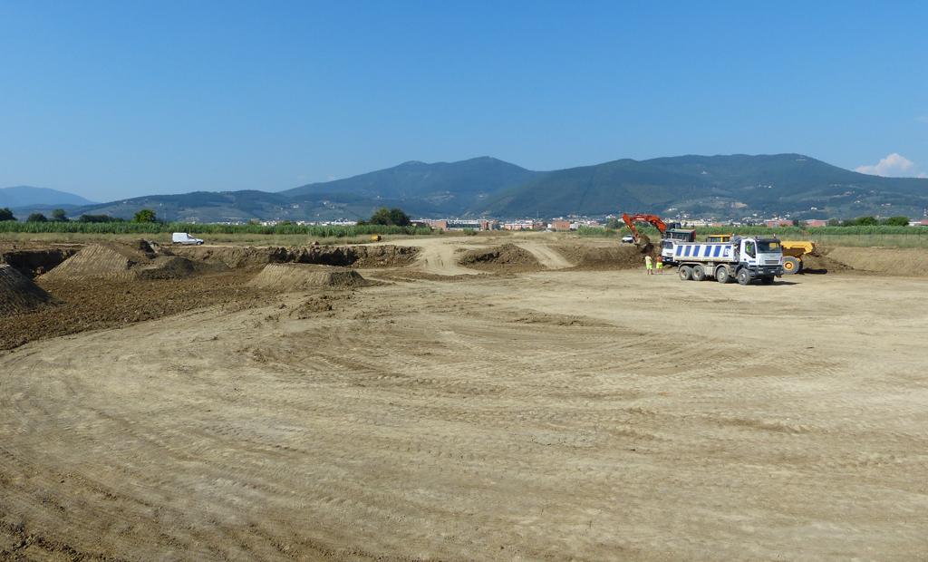 A metà lavori del nuovo lago (fine luglio 2013)